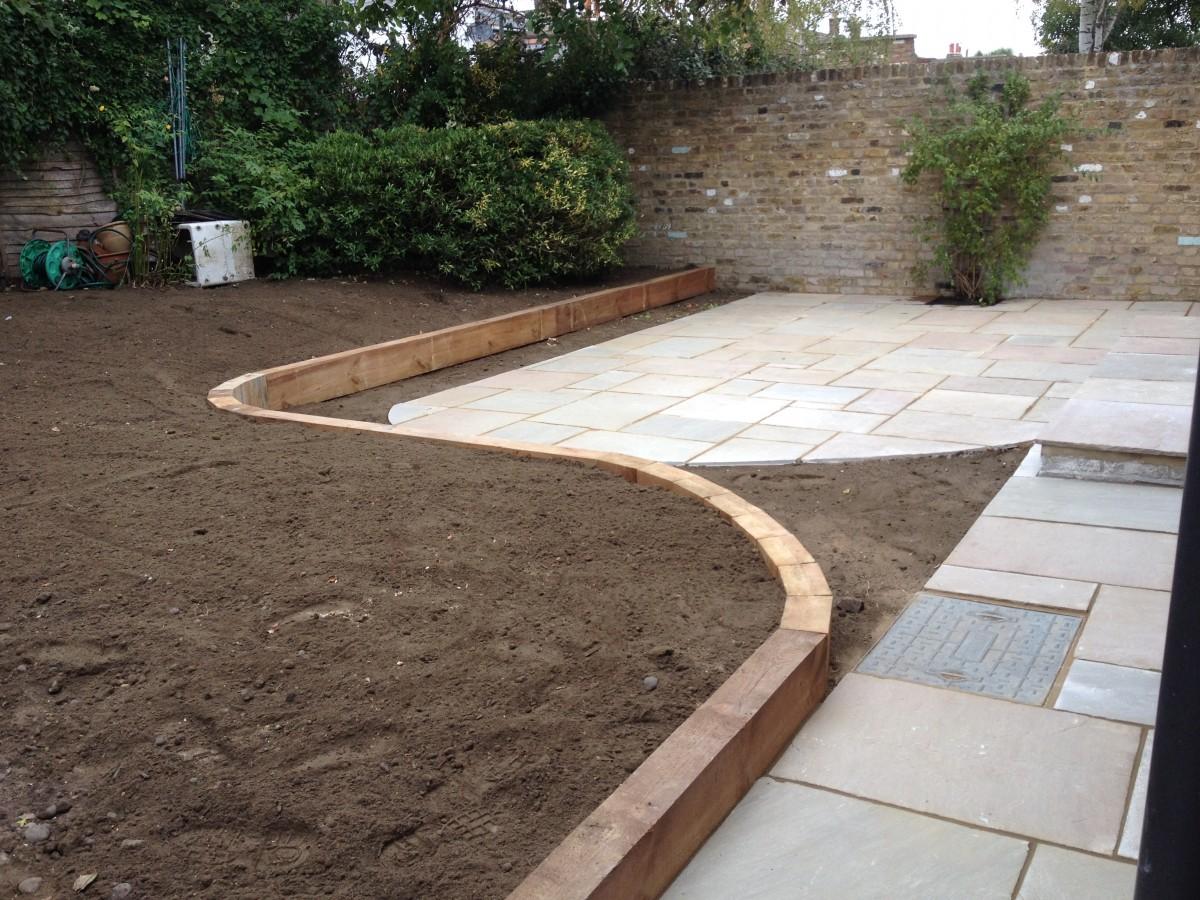 Garden Design Using Sleepers Blackheath. Sleeper Walls Introduced To The  Blackheath Garden. Contemporary Gardener Blackheath